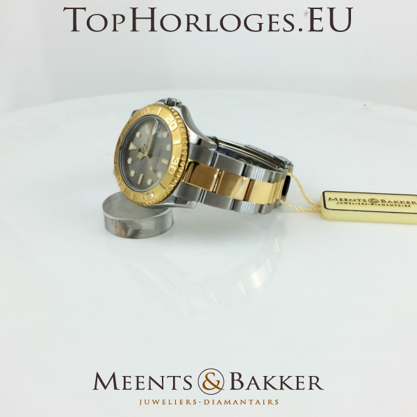 a913d974568 Een zeer mooie goud / stalen Rolex YachtMaster. Deze mid-size uitvoering is  in een prachige staat, komt geheel kompleet met doos, tag's en papieren.